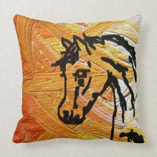 オレンジ枕の馬 クッション