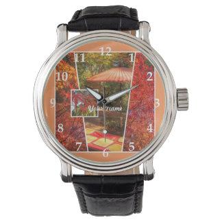 オレンジ正方形の写真の秋のテンプレートの紅葉 腕時計