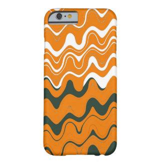 オレンジ白い灰色の海の波状のストライプなパターン BARELY THERE iPhone 6 ケース
