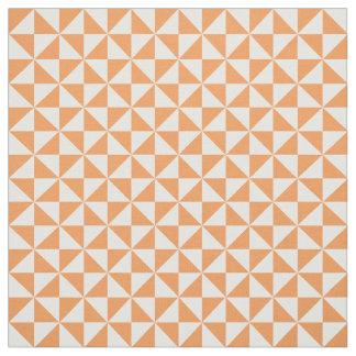 オレンジ白くモダンな三角形パターン生地 ファブリック