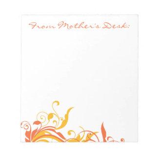オレンジ花の渦巻の母の日 ノートパッド