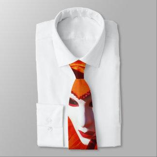オレンジ衣裳および白いマスクを持つ道化師 ネクタイ