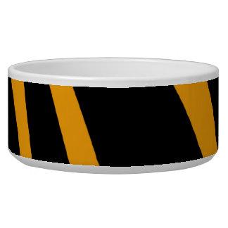 オレンジ黒いシマウマは犬のペットボウルを縞で飾ります 犬のえさ皿