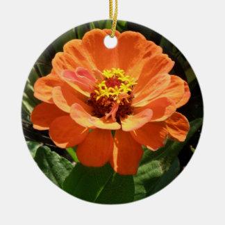 オレンジ《植物》百日草のカスタムの誕生日 陶器製丸型オーナメント