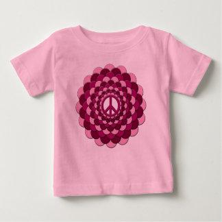 オーガニックなベビーの用品類、ピンク平和花 ベビーTシャツ