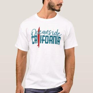 オーシャンサイドカリフォルニアTシャツ-サーフボード Tシャツ