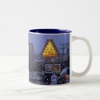 オースティンの有名な建物 ツートーンマグカップ