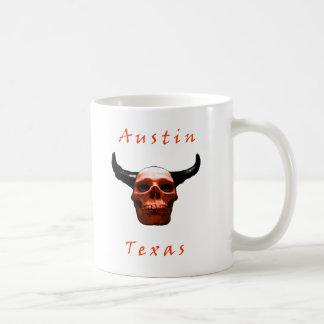 オースティンテキサス州ハロウィンの長角牛スカルのコーヒー・マグ コーヒーマグカップ