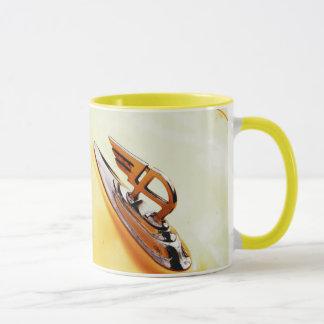 オースティン車のモチーフのコーヒーか茶マグ マグカップ