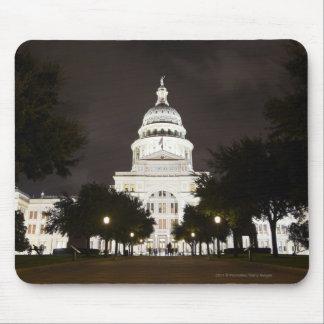 オースティン、夜のテキサス州の州の国会議事堂 マウスパッド