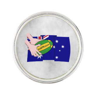 オーストラリアの旗のラグビーのボールの漫画手 ラペルピン