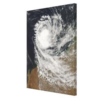 オーストラリアの沖の熱帯低気圧オフェリア キャンバスプリント