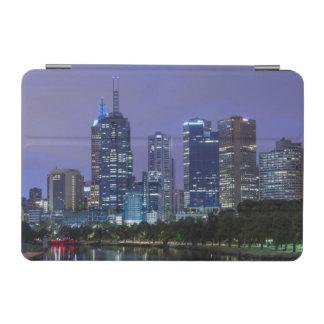 オーストラリア、ビクトリア、メルボルンのスカイライン iPad MINIカバー