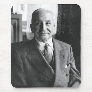 オーストリアの経済学者のルートヴィヒ・フォン・ミーゼスポートレート マウスパッド