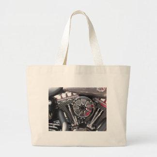 オートバイによってクロム染料で染められるエンジンの詳細の背景 ラージトートバッグ