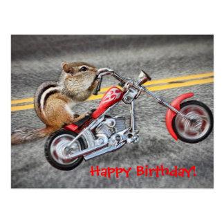 オートバイに乗っているシマリスのバイクもしくは自転車に乗る人 ポストカード