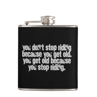 オートバイの引用文に乗ることを止めません フラスク