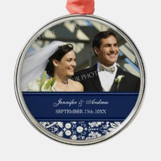 オーナメントの好意の青く白いダマスク織の結婚 メタルオーナメント