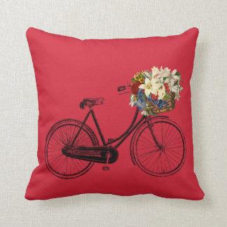 オーロラの赤い自転車の花の   装飾用クッション クッション