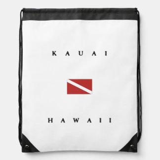 カウアイ島ハワイのスキューバ飛び込みの旗 ナップサック