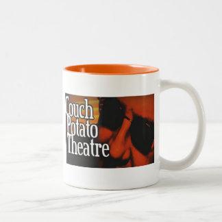 カウチ・ポテト族のコーヒー・マグ ツートーンマグカップ