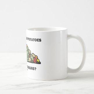 カウチ・ポテト族ベジタリアンではないことをだれが言いますか。 コーヒーマグカップ