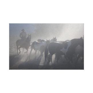 カウボーイの馬の西部牧場 キャンバスプリント
