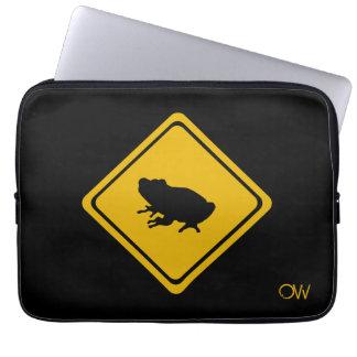 カエルのオーストラリアの交通標識 ラップトップスリーブ
