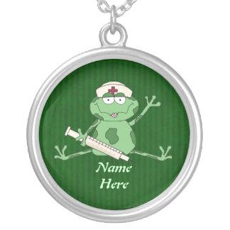 カエルのナースのネックレス シルバープレートネックレス