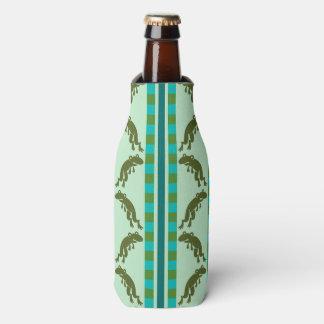 カエルは、緑および青を縞で飾り、チェックインします ボトルクーラー