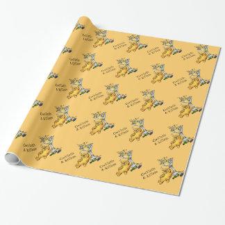 カクテルおよび子ネコのおもしろいな金ゴールドの包装紙 ラッピングペーパー