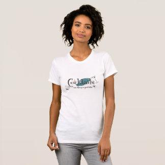カクテルはよいアイディアのレトロの一見のティー常にです Tシャツ