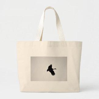 カササギのガチョウの飛行中にシルエットオーストラリア ラージトートバッグ