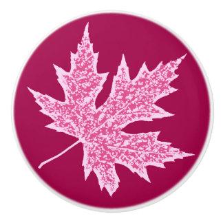 カシの葉-バーガンディのワインおよびピンク セラミックノブ