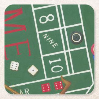 カジノは破片およびサイコロが付いているテーブルを排泄します スクエアペーパーコースター