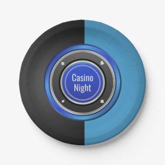 カジノ夜黒くおよび青のポーカー用のチップ ペーパープレート