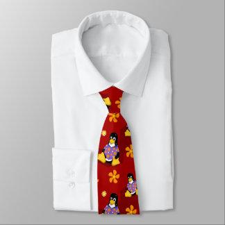 カジュアルなタキシードの赤のストライプのタイ ネクタイ