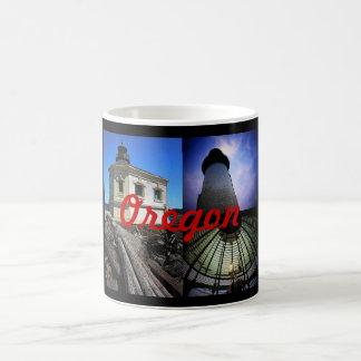 カスタマイズオレゴンの灯台モンタージュのマグ- コーヒーマグカップ