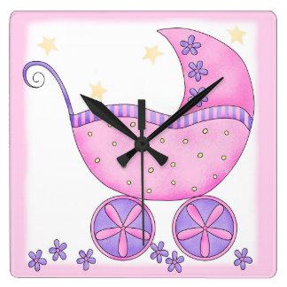 カスタマイズピンクのベビーカーキャリッジ スクエア壁時計