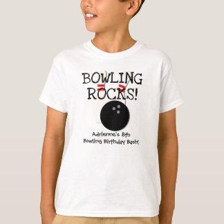 カスタマイズボーリングをする誕生日のTシャツ Tシャツ