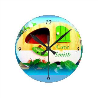 カスタマイズレトロのヴィンテージのキャンピングカーの青 ラウンド壁時計