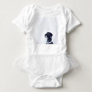 カスタマイズ可能で黒いラブラドル・レトリーバー犬 ベビーボディスーツ