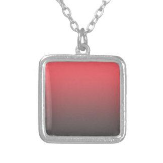 カスタマイズ可能なピンクの灰色のグラデーションな背景 シルバープレートネックレス