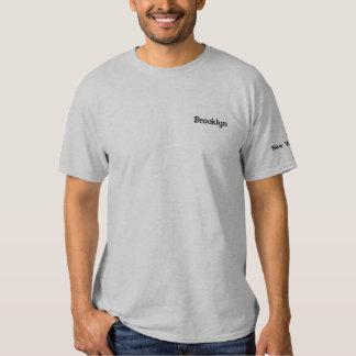 カスタマイズ可能なブルックリンニューヨークシティNYのワイシャツ-!! 刺繍入りTシャツ