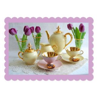 カスタマイズ可能なラベンダーの午後のお茶の招待状 カード