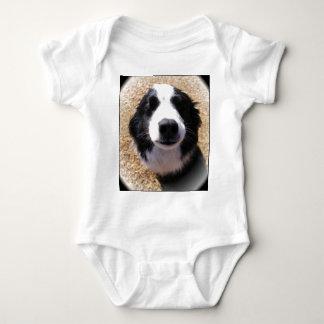 カスタマイズ可能な犬鼻のワイシャツ ベビーボディスーツ