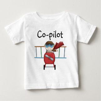 カスタマイズ可能な男の子のエースのパイロットのTシャツ ベビーTシャツ