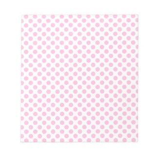カスタマイズ可能な背景が付いているピンクの水玉模様 ノートパッド