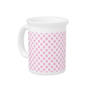 カスタマイズ可能な背景が付いているピンクの水玉模様 ピッチャー