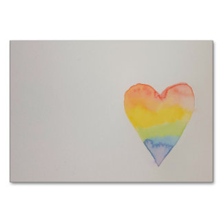 カスタマイズ可能な虹の水彩画のハートのテーブルカード カード